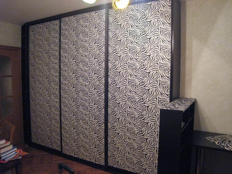 Шкаф-купе с кожаными элементами